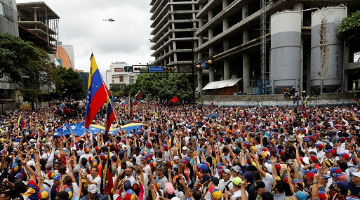 LUCHA POR FUTURO DE VENEZUELA SE LIBRA EN TELÉFONOS MÓVILES