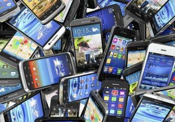 HAY MENOS MÓVILES EN 2016, PERO CRECEN 30% LOS QUE TIENEN 3G Y LTE