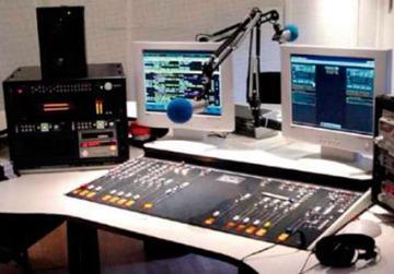 LA LEY DE TELECOMUNICACIONES AMPLÍA LICENCIA PARA RADIOS Y TV