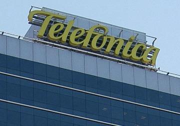 EL GOBIERNO AUTORIZA A TELEFÓNICA Y A TELECOM UN CAMBIO EN SU ESTATUTO PARA DAR TELEVISIÓN PAGA