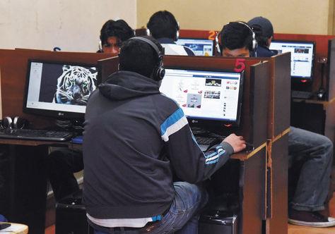 BOLIVIA REPORTA 4,9 MILLONES DE CONEXIONES A INTERNET
