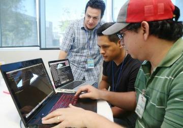 HONDURAS AVANZA 6 PUESTOS POR USO DE TECNOLOGÍA EN LÍNEA