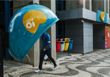 Political Meltdown Foils Oi Exit From $19 Billion Bankruptcy