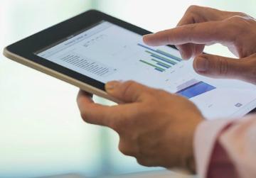 Banda ancha móvil supera a la fija en conexiones y asequibilidad