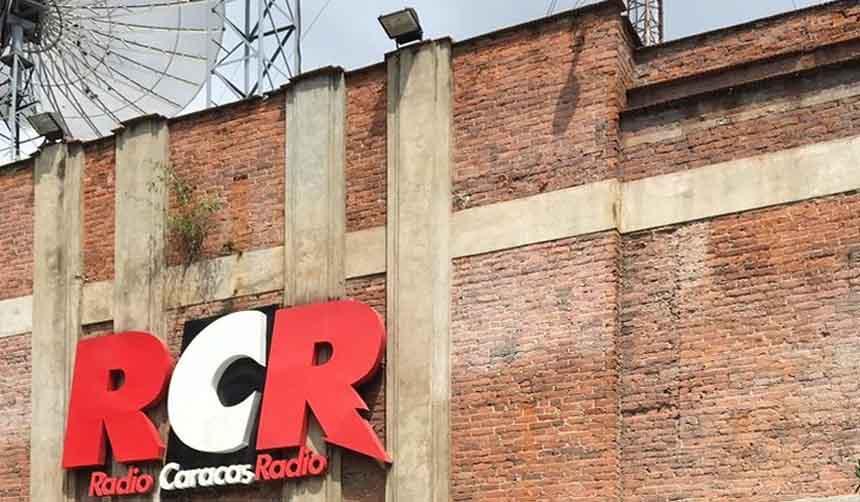 Con la amenaza de cerrar Radio Caracas Radio Maduro le propinaría el golpe definitivo a la libertad de expresión en Venezuela