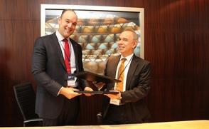 Indotel firma acuerdo de cooperación con Perú
