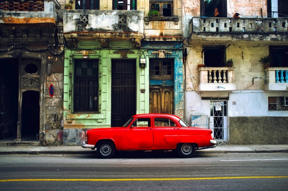 EE.UU. crea un grupo para expandir el acceso a internet en Cuba