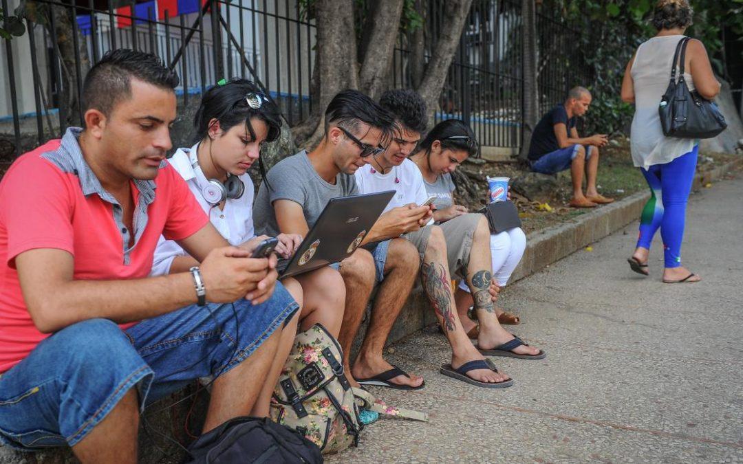 Departamento de Estado de EEUU crea un grupo para expandir el acceso a Internet en Cuba