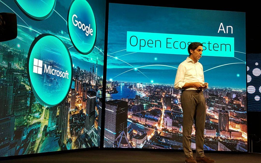 Telefónica se alía con Google y Facebook para lanzar la plataforma virtual Aura
