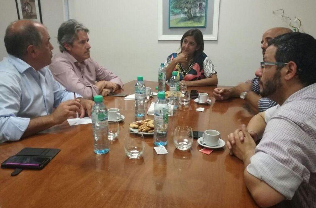 """Simoniello: """"Trabajamos por una mejor conectividad entre Santa Fe y Santo Tomé"""""""