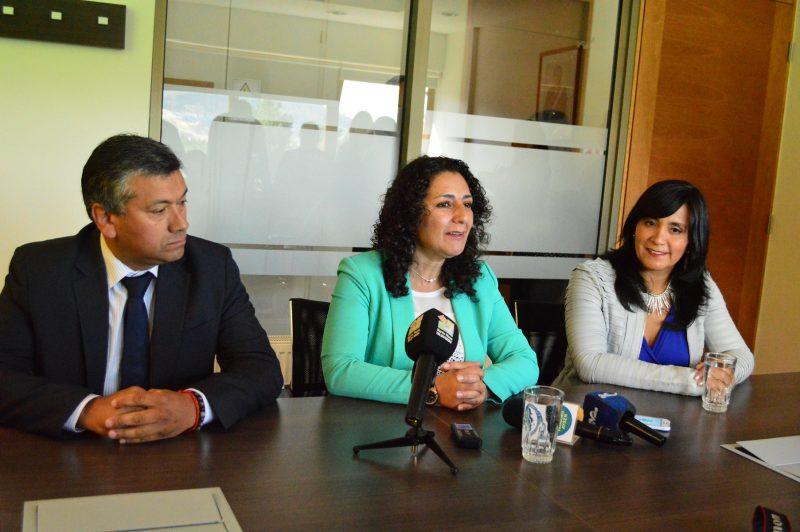 Ministra de Transportes y Telecomunicaciones da a conocer detalles de licitación Fibra Óptica Austral Aysén